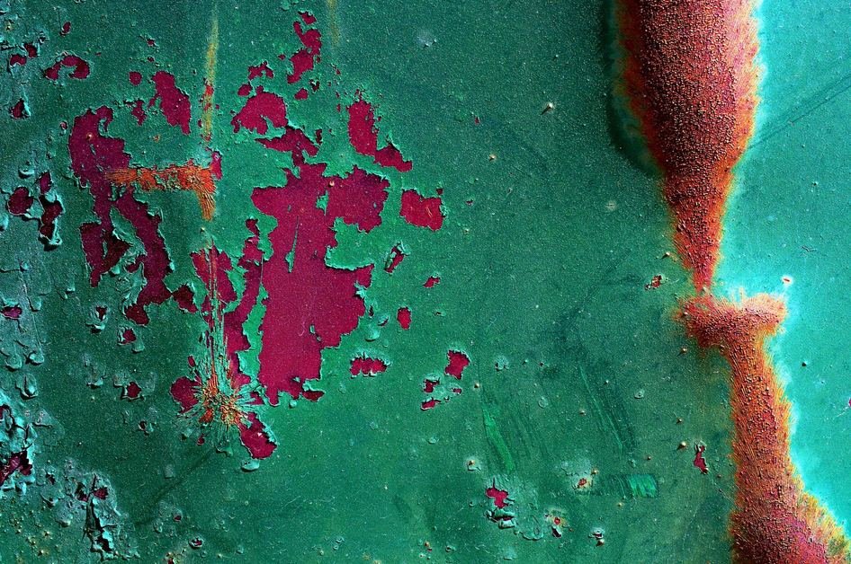 what we remove paint rust Photo by Nate Bell on Unsplash